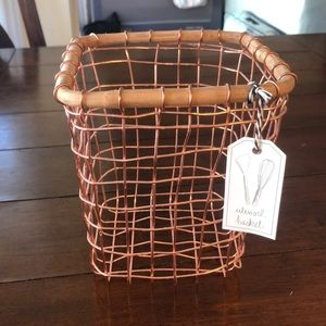 Anthropologie utensil basket